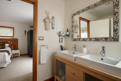 Tui Bathroom2